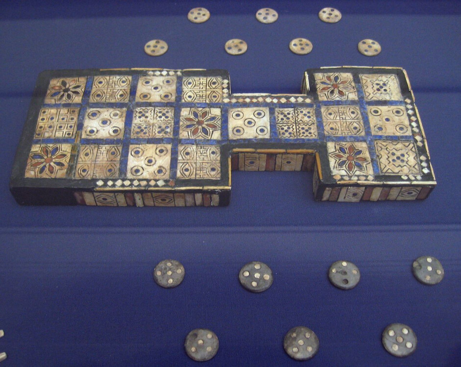 Royal Game of Ur, southern Iraq, about 2600-2400 BCE - 5 things wrong with mobile gaming