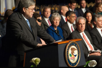 Attorney general Barr says that top U.S. tech firms are pawns of Chinese influence - U.S. Attorney General accuses Apple, Google and others of giving in to China's demands
