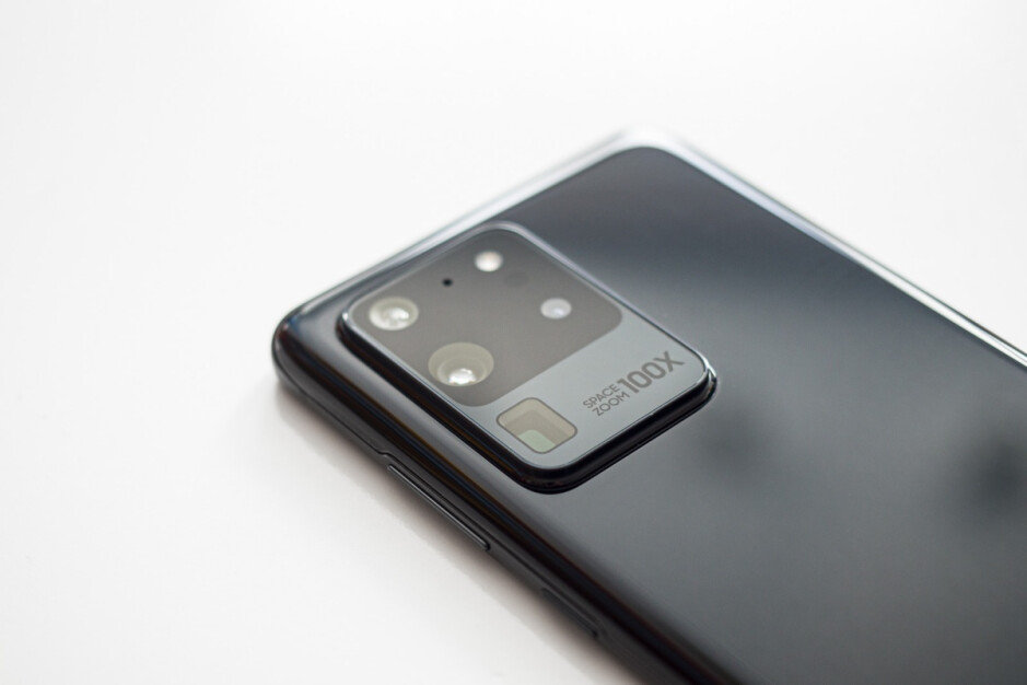 Galaxy S20 Ultra - Samsung is going after Huawei and not Apple with the Galaxy S21 Ultra 5G camera system