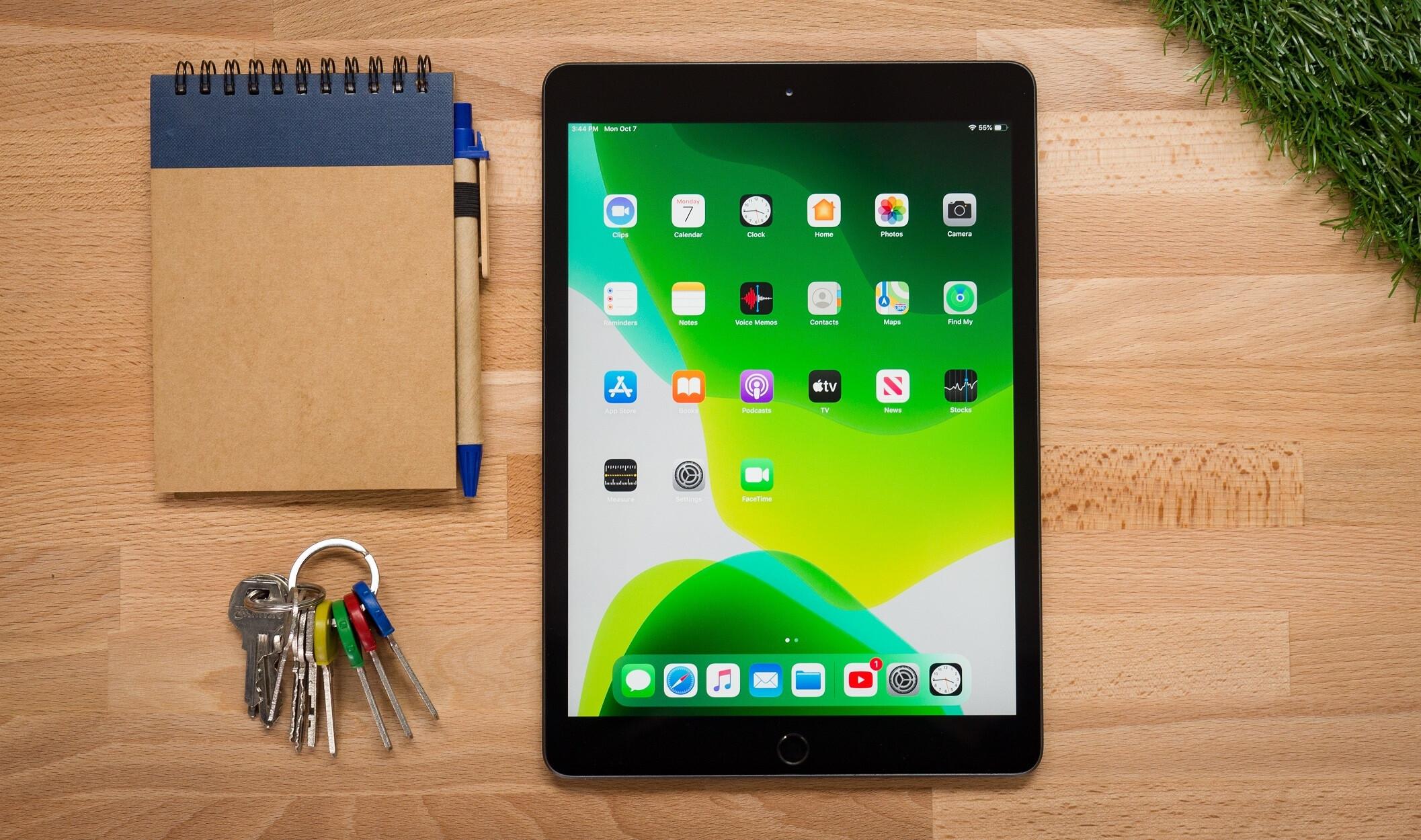 Which 2020 iPad (10.2-inch) storage option should I get? 32GB or 128GB?