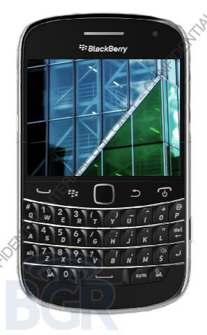 Pics and specs of the long-awaited Blackberry Dakota leaked