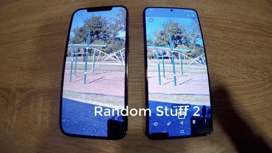 Samsung Galaxy S21+ vs iPhone 12 Pro Max — Display and bezel comparison - Unreleased Galaxy S21+ 5G gets compared to iPhone 12 Pro Max in leaked video
