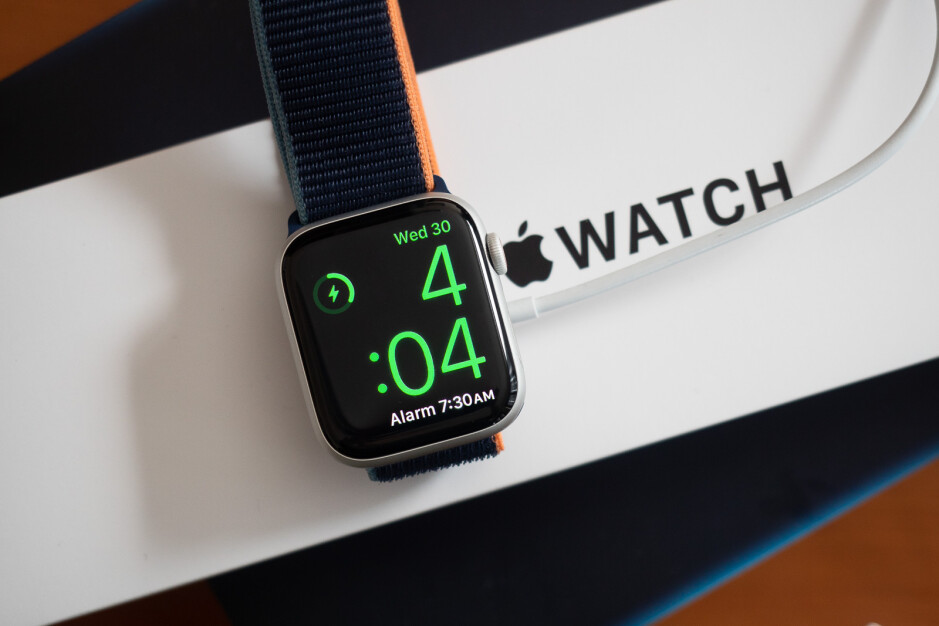 Apple Watch SE - Best Valentine's Day deals
