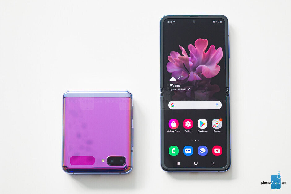 Apple has reportedly decided to make the foldable iPhone a clamshell form-factor like the Galaxy Z Flip - Rumor suggests that Apple will be marketing the foldable iPhone to a younger audience