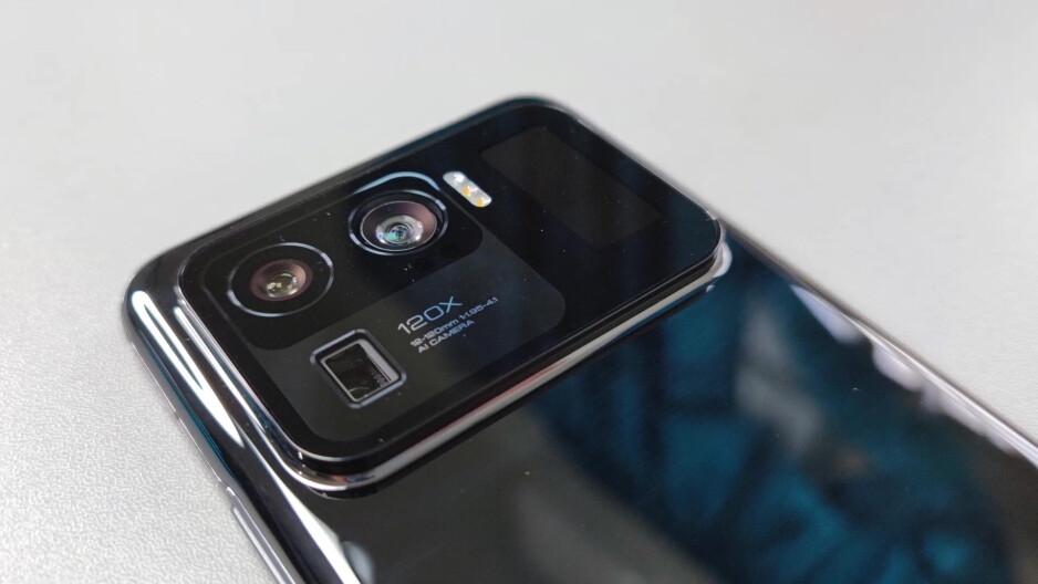 The Xiaomi Mi 11 Ultra has a tiny display in its camera bump