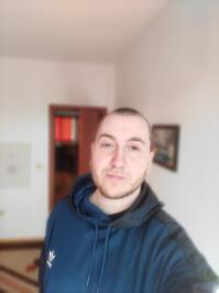 zte-axon-20-5g-under-display-camera-selfie-3-portrait.jpg