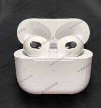 Apple-AirPods-3-1