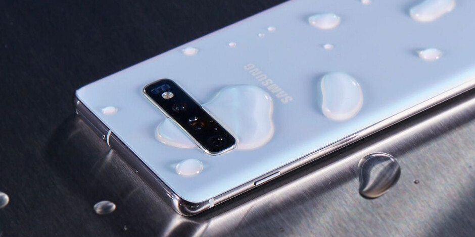 Are the Samsung Galaxy A52 and A72 waterproof?