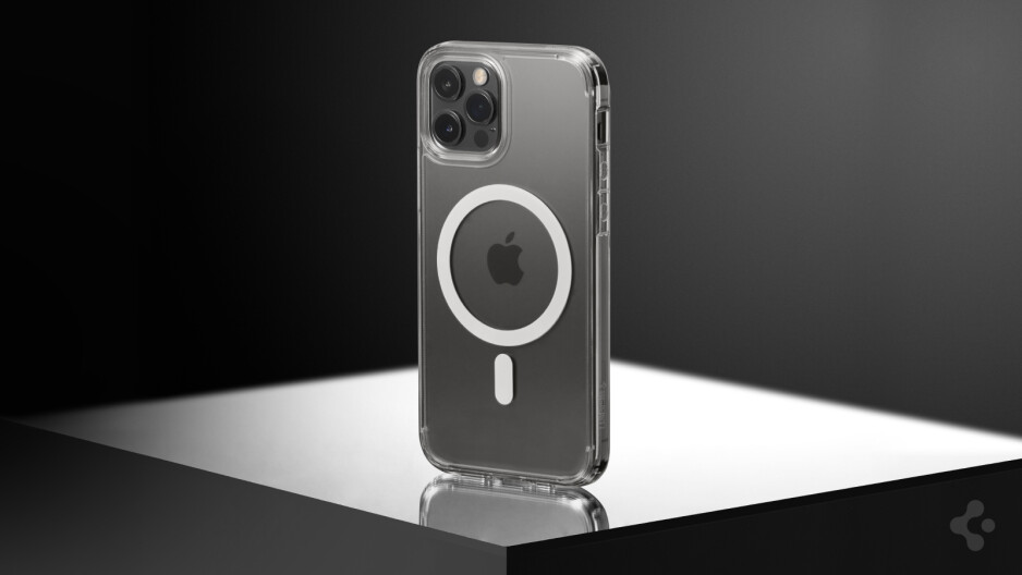 iPhone 12 Pro in Ultra Hybrid Mag - Spigen's new case for the iPhone 12 is insane!