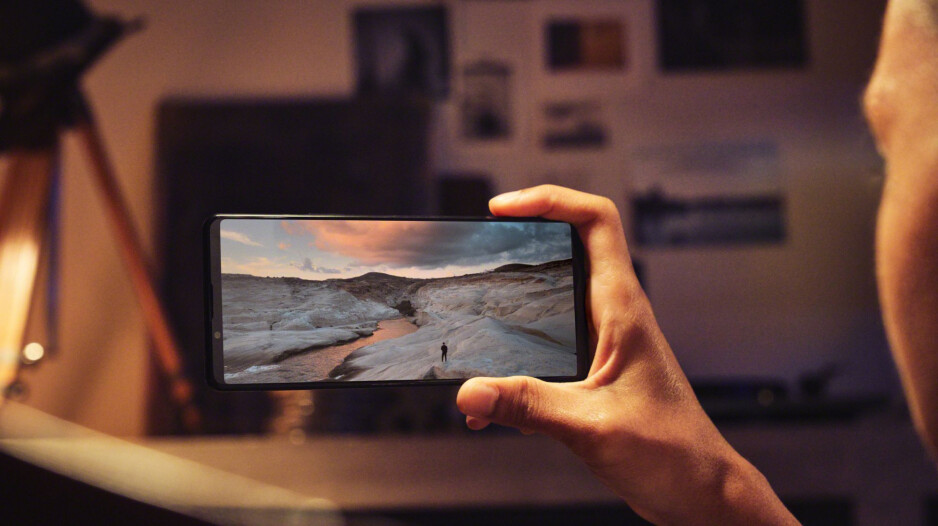 Sony debuts the Xperia 1 III and Xperia 5 III - first phones with variable telephoto lenses