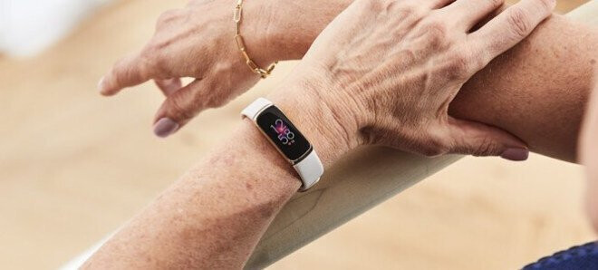 The Fitbit Luxe in real-life use - Images of the Fitbit Luxe fitness tracker leak