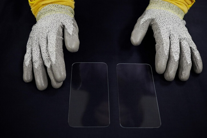 Apple announces another big multi-million dollar investment in Corning's Ceramic Shield