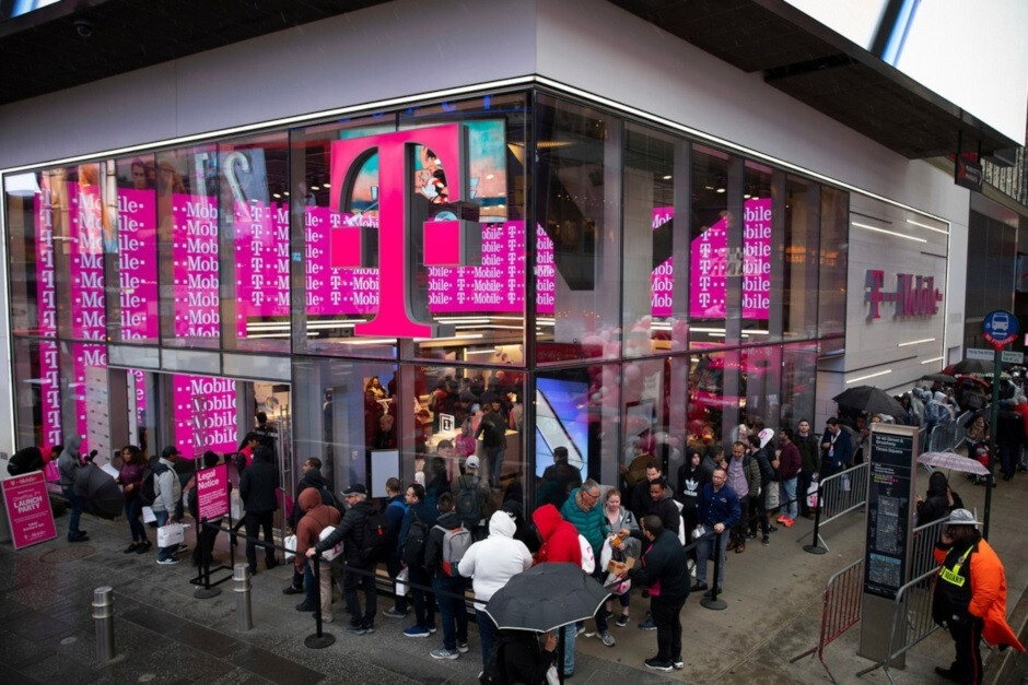 T-Mobile continues to take advantage of the mid-band spectrum it acquired from Sprint - T-Mobile continues using Sprint's 2.5GHz spectrum for its triple-layer 5G network
