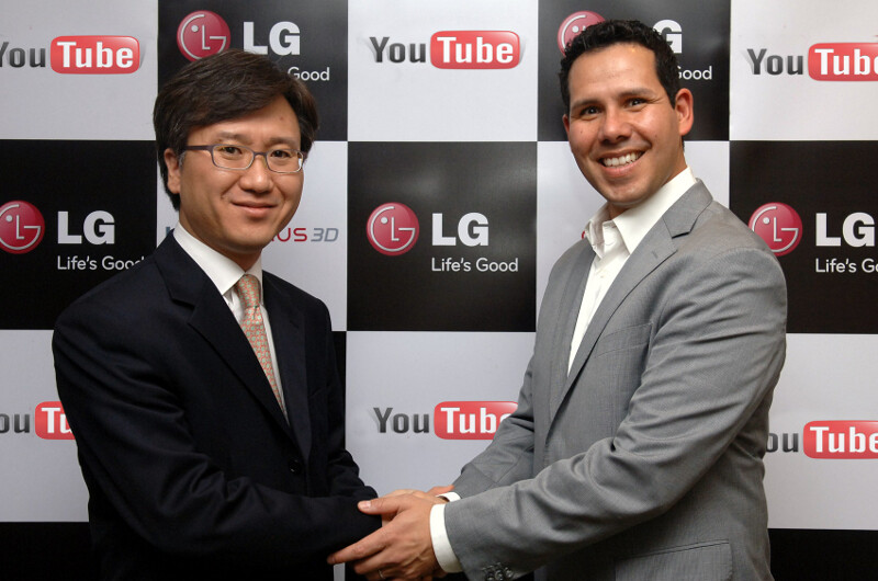 """Left - Yong-seok Jang from LG, Right - Francsico Varela from YouTube""""&nbsp - LG and YouTube partner to let you upload and share 3D content, starting with the LG Optimus 3D"""