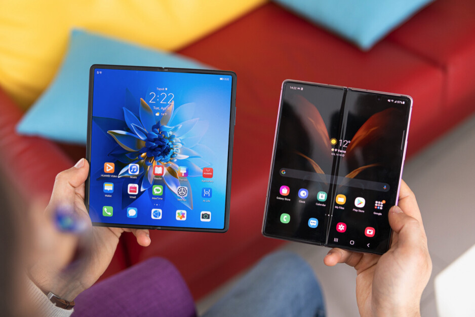 Huawei's Mate X2 makes the Galaxy Z Fold 2 look like a beta version... for the most part. - Why the cutting-edge Galaxy Z Fold 3 is doomed to flop