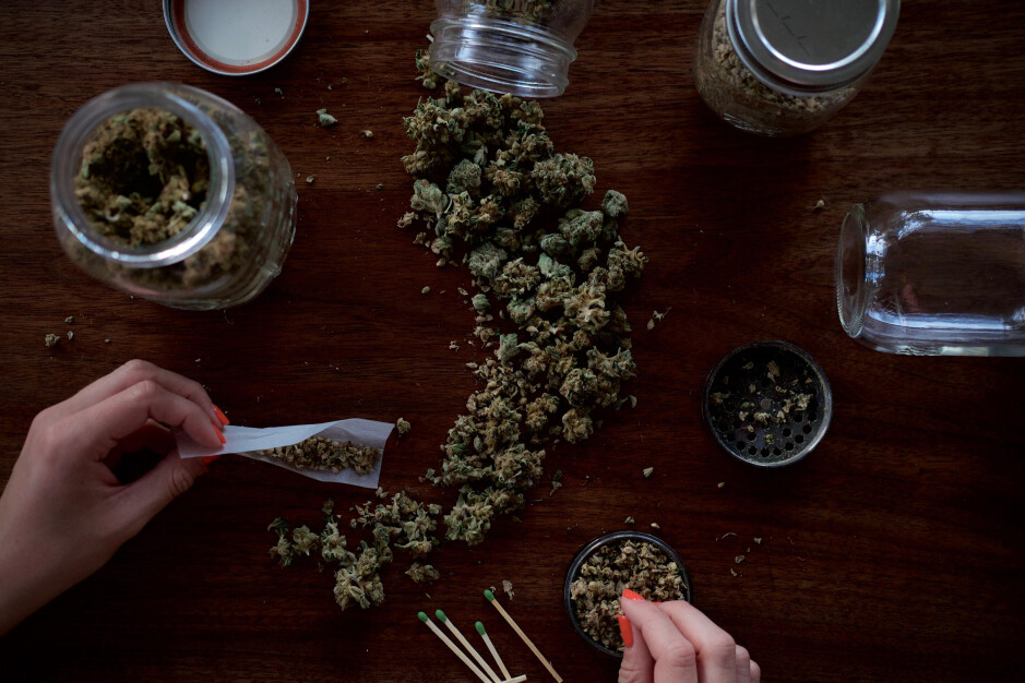 Apple and Google take opposite positions when it comes to allowing marijuana related apps in their respective app storefronts - Apple now allows the App Store to host apps for firms that deliver weed