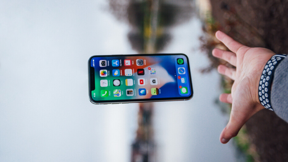 It's not a fear of spiders or snakes, but a fear of not being able to watch cat videos on YouTube. - How to deal with smartphone addiction, and what is nomophobia? An unconventional take