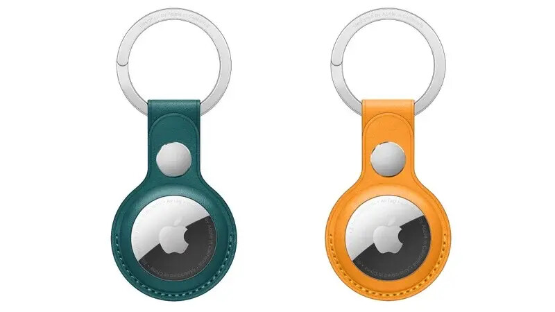 AirTag keyring in California Poppy and Forest Green - The Apple AirTag keyring and leather loop are now available in new fashionable colors