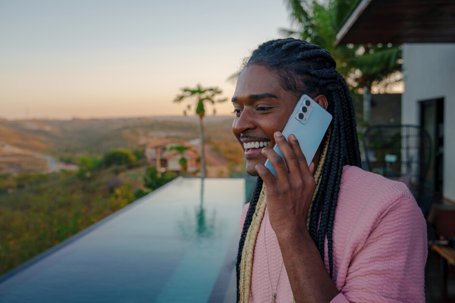 The Edge 20 has decent specs at an even more decent price - Motorola Edge 20 and Edge 20 Pro are official: Good looks, appealing pricing