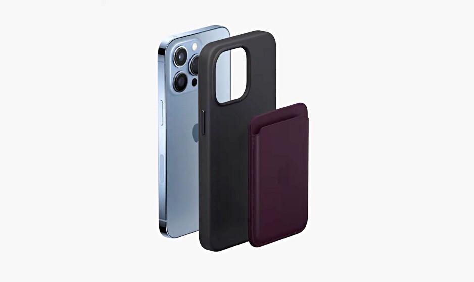 A nova carteira de couro mostrada junto com o iPhone 13 Pro e uma capa de silicone - a nova carteira de couro do iPhone agora oferece suporte a Find My e permite que você veja onde a deixou