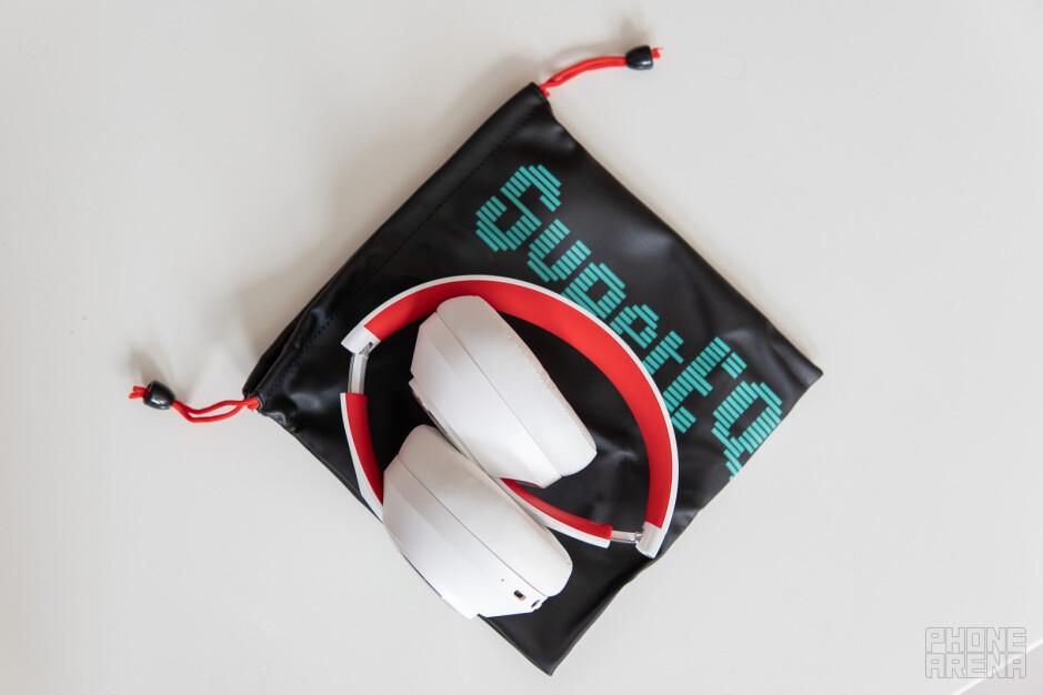 SuperEQ headphones: affordable active noise-cancelation and fresh style