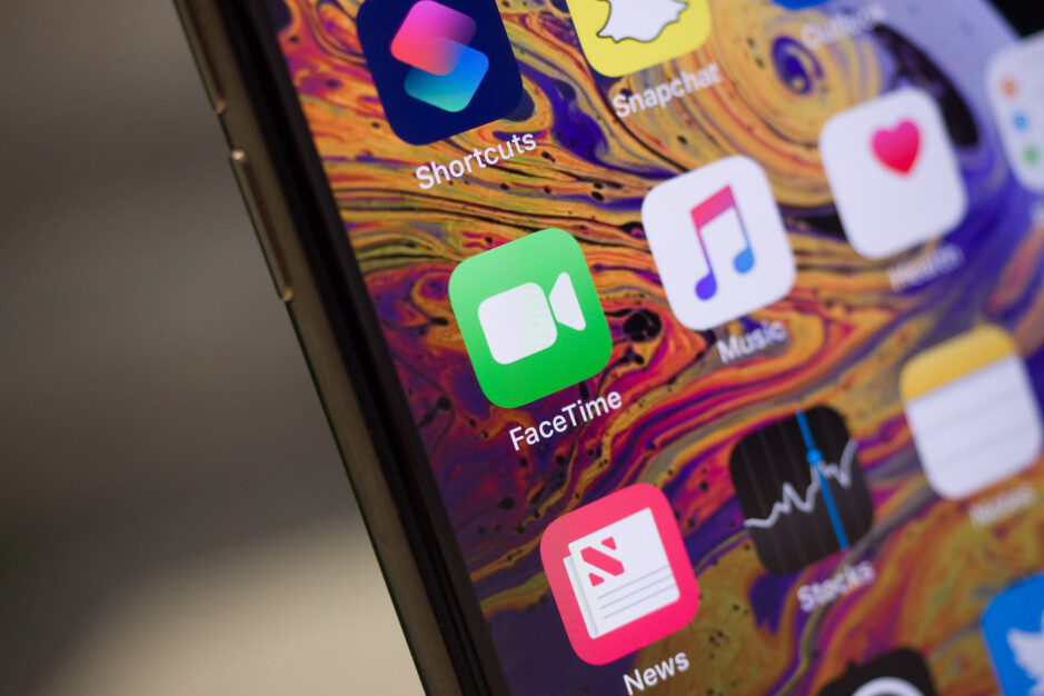 How to FaceTime Android users from iPhone