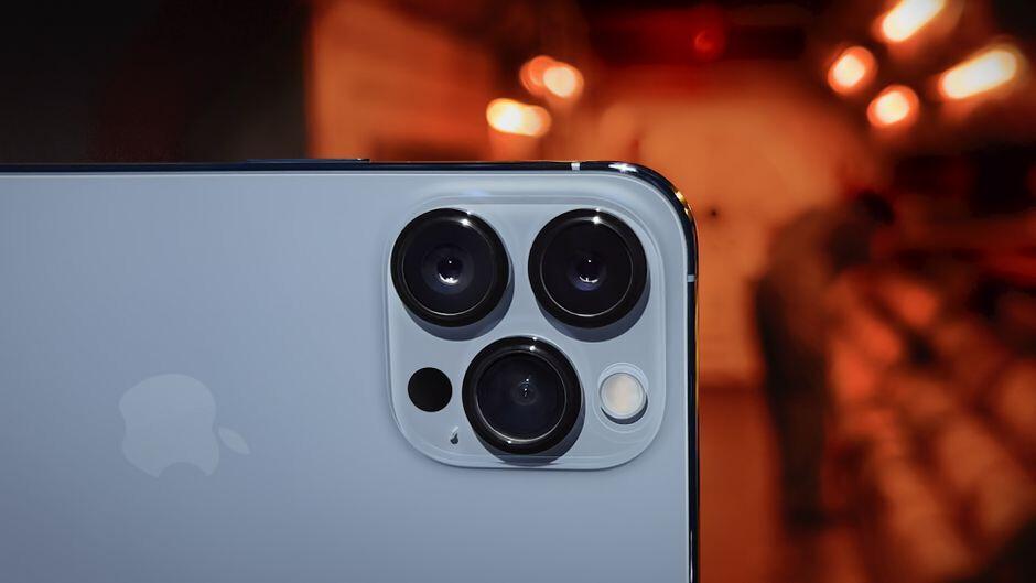 Pixel 6:Googleの主力製品は、5年前のカメラのハードウェアでiPhone 13に挑戦します。