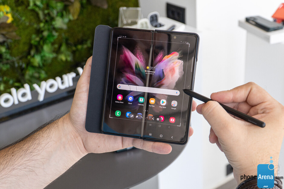 Even the Galaxy Z Fold 3 has stylus support, despite the technical challenge of implementing it on a folding phone - The iPhone 13 still lacks these Android power user features, but why?