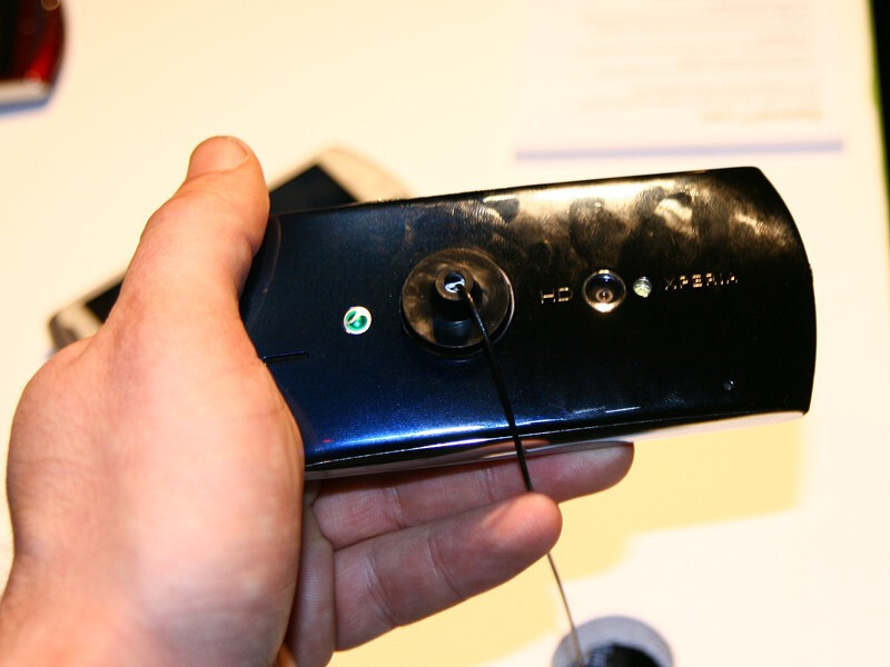 Sony Ericsson Xperia neo Hands-on