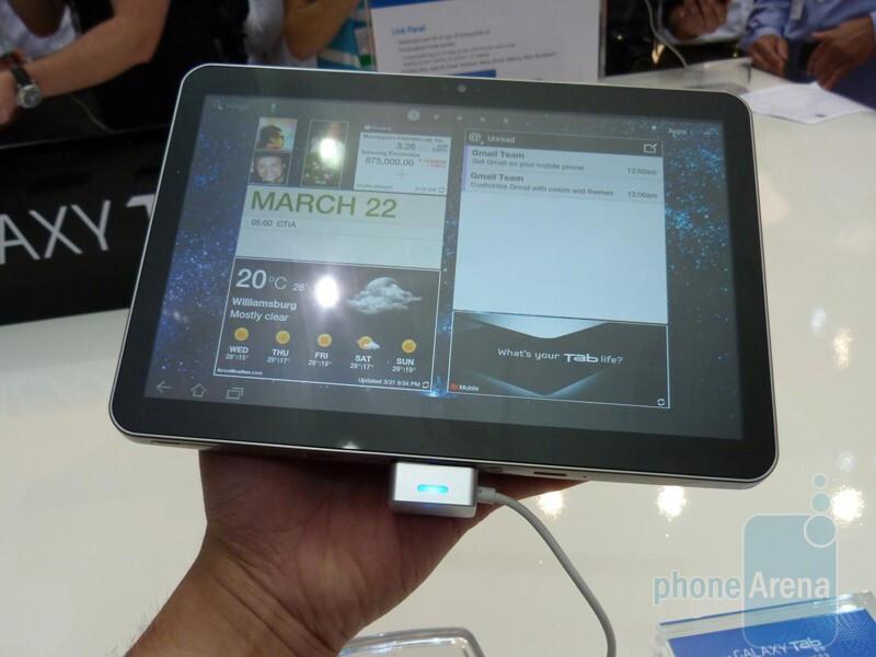 The Samsung GALAXY Tab 8.9 is 8.6mm thick - Samsung GALAXY Tab 8.9 Hands-on