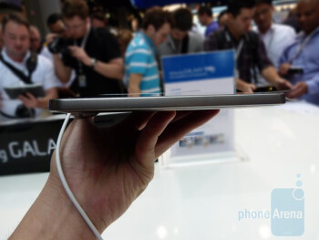 The Samsung GALAXY Tab 8.9 is 8.6mm thick
