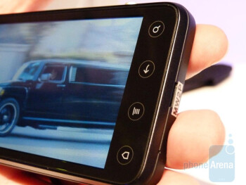HTC EVO 3D actually improves upon the design