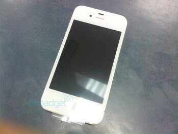 Vodafone salesperson accidentally sells a white iPhone 4 model to a customer