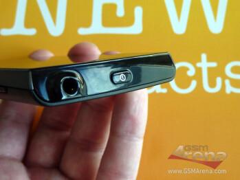 Sony Ericsson ST18i Azusa/Urushi
