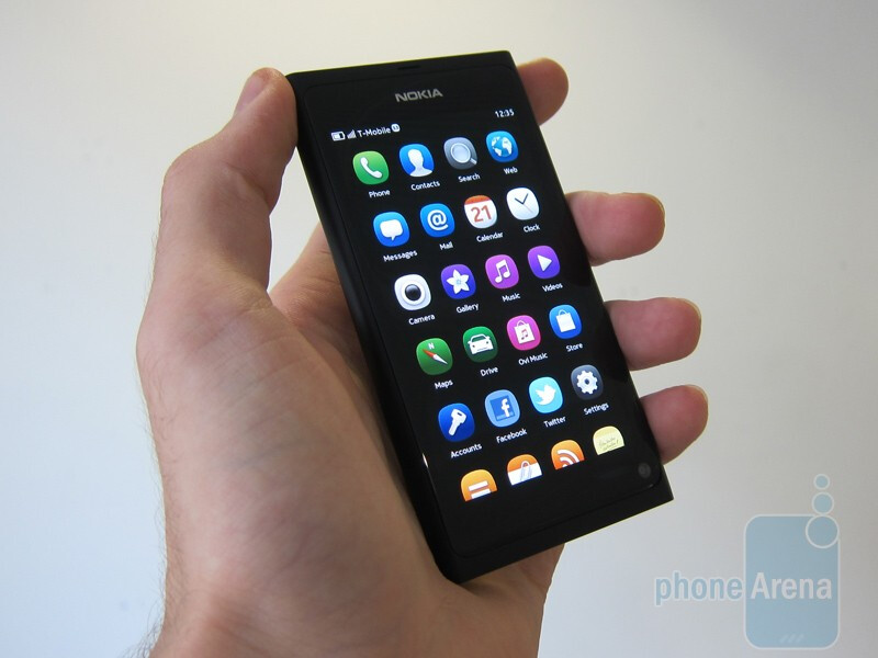 Nokia N9 Hands-on - YouTube | 600x800
