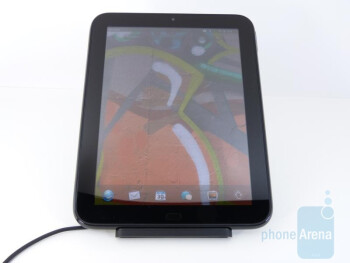 HP TouchPad Touchstone Charging Dock demonstration