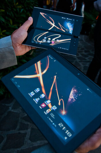 Sony S1 and S2 tablets pose for the camera once again, plenty to see this time