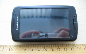 Sony Ericsson txt pro passes the FCC, 3G radio nowhere in sight