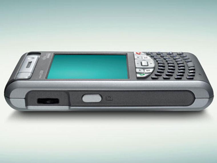 Fujitsu-Siemens introduces Pocket LOOX T800 series