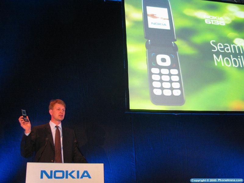 Nokia unveils three new GSM phones, including a UMA device