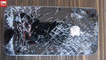 This Apple iPhone 4 fell 13,500 feet and still makes and takes phone calls