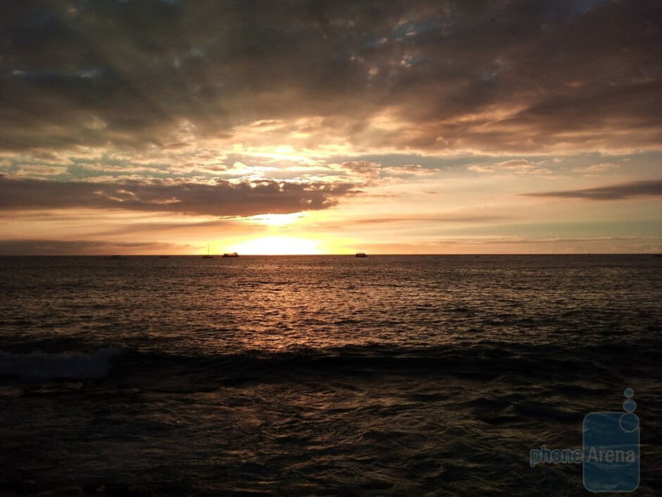 Bustervic - Sony Ericsson Xperia X10Kailua-Kona in Hawaii(last time's winner) - Cool images, taken with your cell phone #7