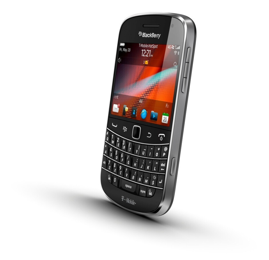 The BlackBerry Bold 9900 for T-Mobile - BlackBerry Bold 9900 to land on T-Moble shelves on August 31; business customers can pre-order one today