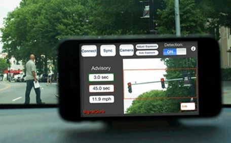 Project SignalGuru in action - University project uses an iPhone to increase a car's fuel efficiency