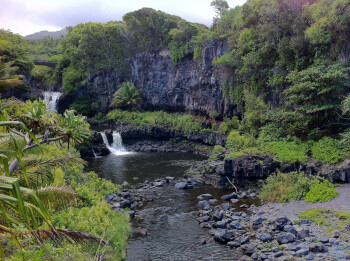2. Bakir Baker - Apple iPhone 4Hawaii - Waterfalls and Pools