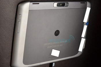 8.2-inch slim Motorola Xoom 2 Media Edition surfaces, compared with its bigger Xoom 2 sibling