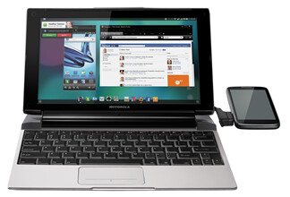 Checking out Facebook on the Motorola Lapdock 100