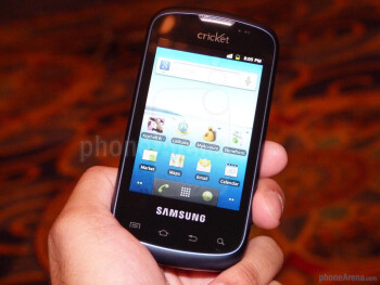 Using some cheap plastics, the Samsung Transfix keeps its weight on the low side