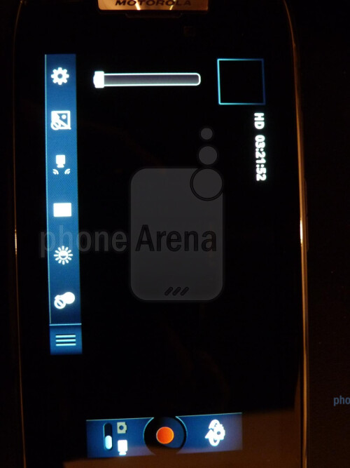 Motorola+DROID+RAZR+hands-on