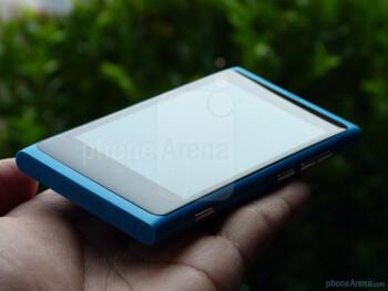 Nokia Lumia 800 Hands-on